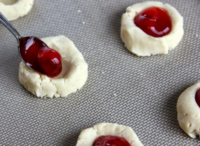 8 Adverse Effects of Eating too many Cherries During Pregnancy
